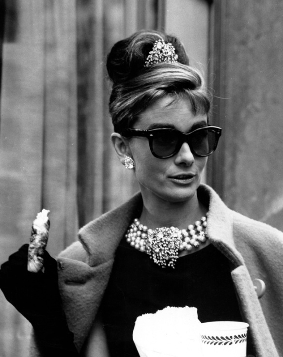 behind-scenes-breakfast-at-tiffanys-9348061-1970-2487
