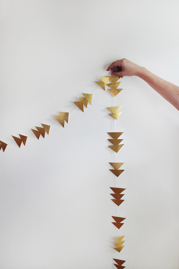 diy-triangle-gold-garland-