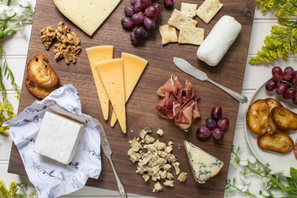 How+To+Make+The+Perfect+Connecticut+Cheese+Plate+|+CTEatsOut.com